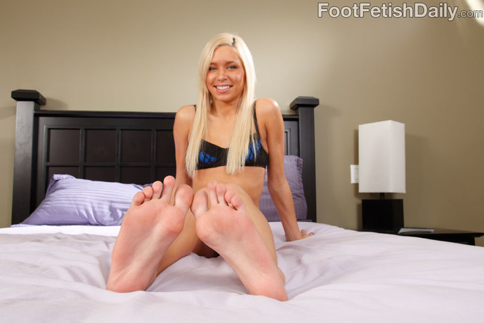 Kacey Jordan Exposes Feet and Rides the Cock