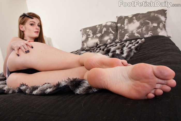 Faye Reagan Sucks Dick and Gets Cum on Her Toes