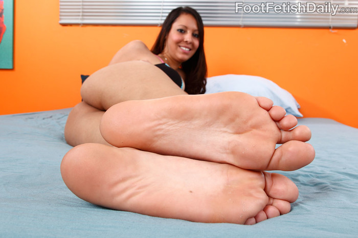 Nadia Noel - Foot Fetish Daily