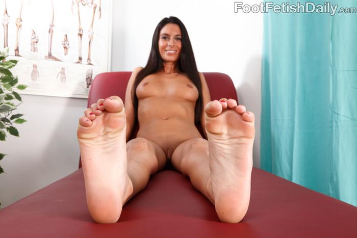 Nikki Daniels - Foot Fetish Daily