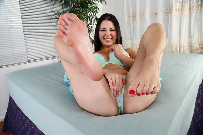 Daisy Summers is happy being a foot teaser