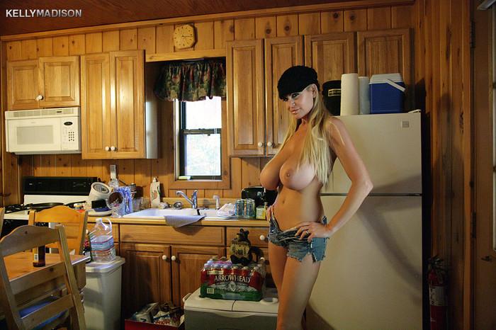 Cabin Canoodling - Kelly Madison