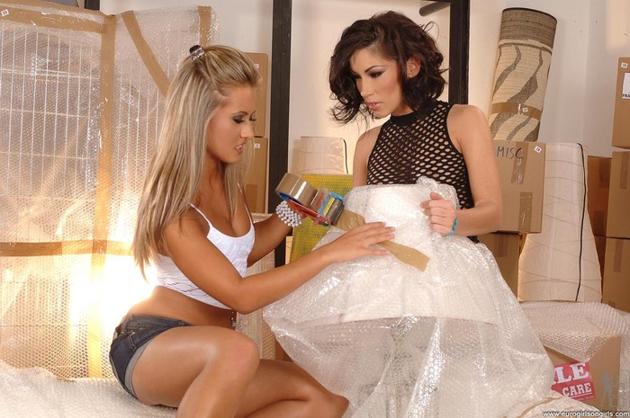 Carmen & Mya Diamond - Euro Girls on Girls