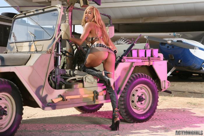 Tyra Lex - Actiongirls