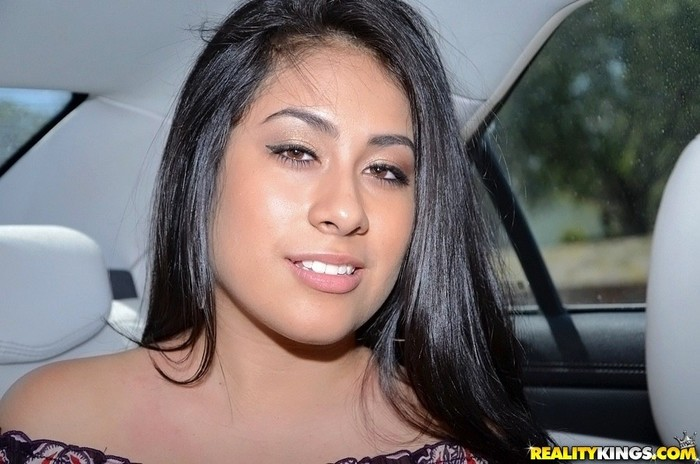 Jazmine - Jizz On Jazmine - 8th Street Latinas