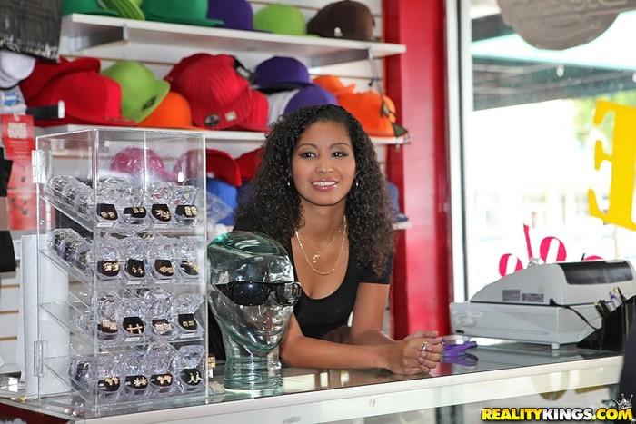 Lori - Lovin Lori - 8th Street Latinas