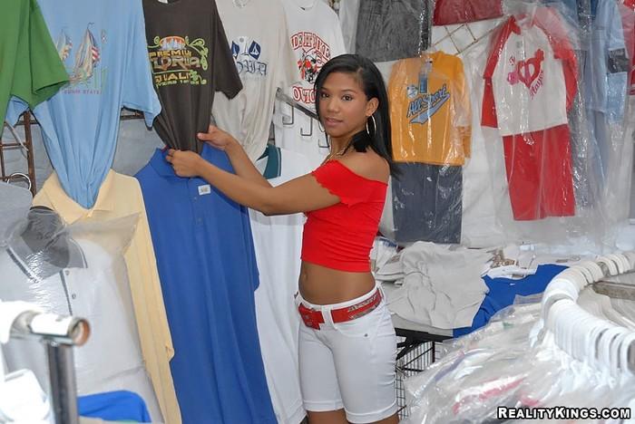 Zasha - Wide Open - 8th Street Latinas