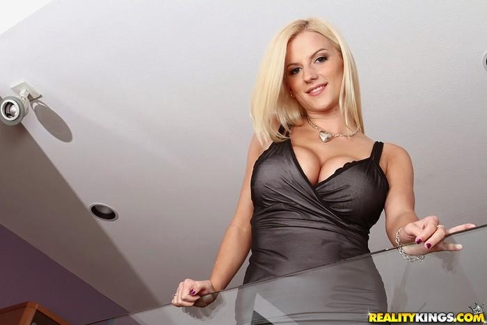 Haley - Genuine Juggs - Big Naturals