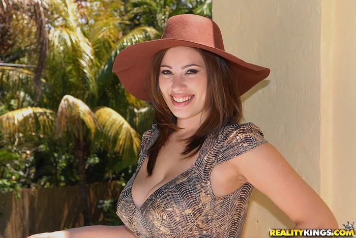 Selena Castro - Sexual Seduction - Big Naturals