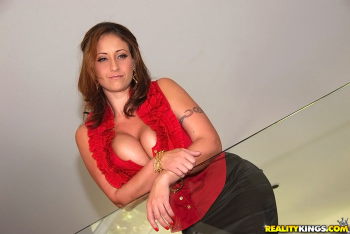 Eva Notty - Bolder Holder - Big Tits Boss