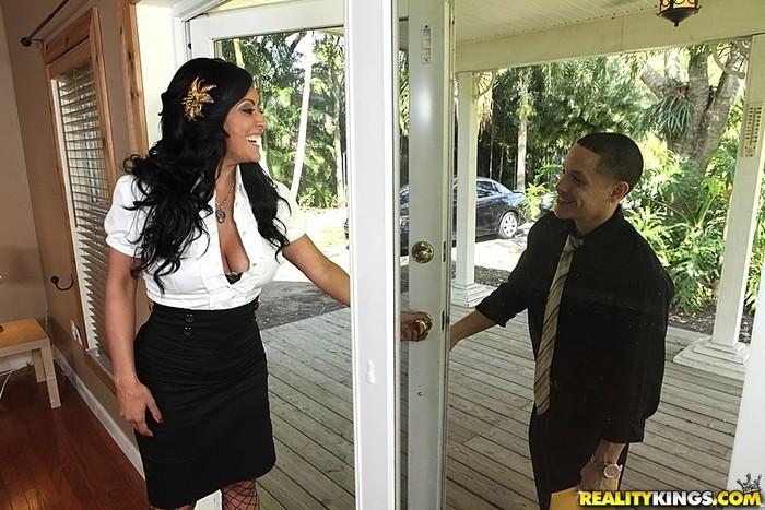 Kiara - Boobylicious - Big Tits Boss