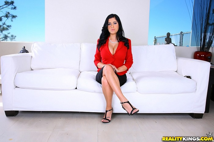 Jada - Flossing And Bossing - Big Tits Boss