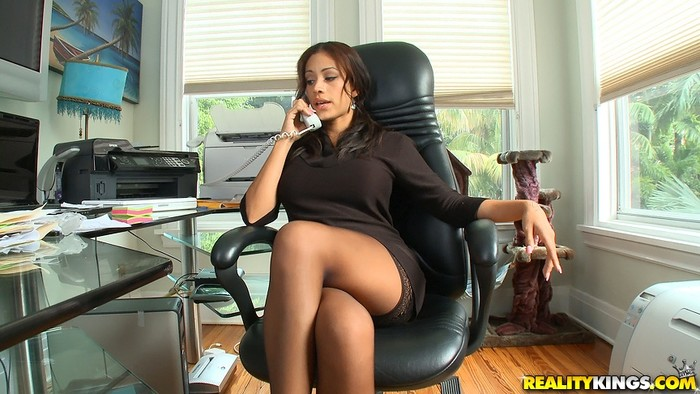 Jamie Valentine - Birthday Boss - Big Tits Boss