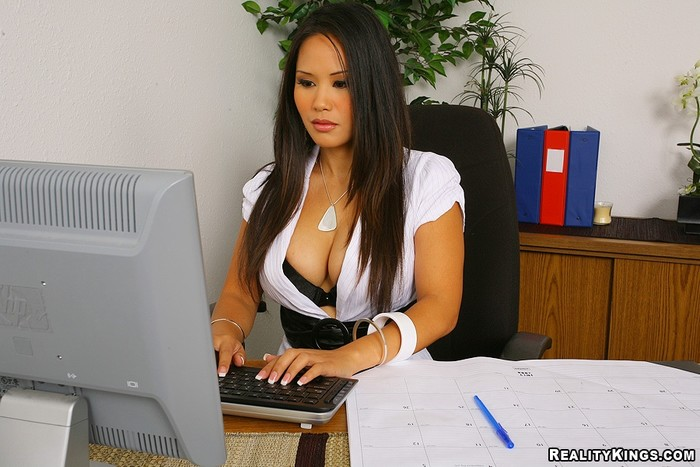 Jessica Bangkok - Office Break - Big Tits Boss