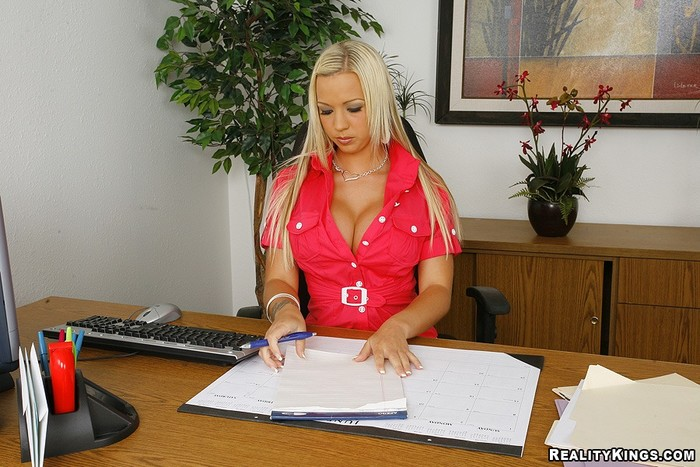 Robyn Truelove - Mrs Titty - Big Tits Boss