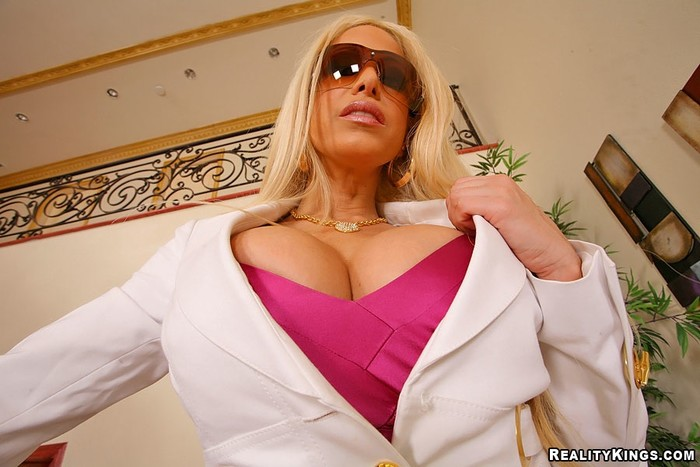 Gina Lynn - Always On Top - Big Tits Boss