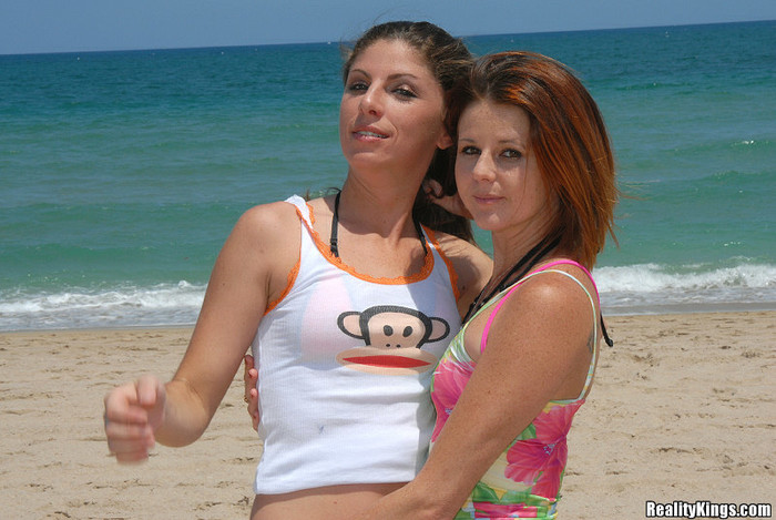 Jewel & Katie Lane - Bikini Bizkits - Captain Stabbin