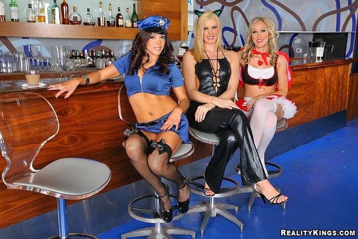 Darryl Hanah, Alana Evans & Francesca Le - Sexy Costumes