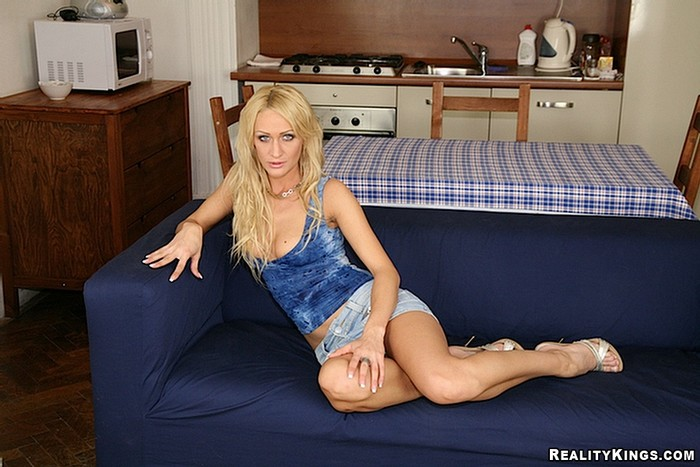 Cynthia Vellons & Christina Lee - Euro Sex Parties