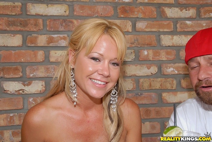 Jenny Hamilton - Nice Spread - MILF Hunter