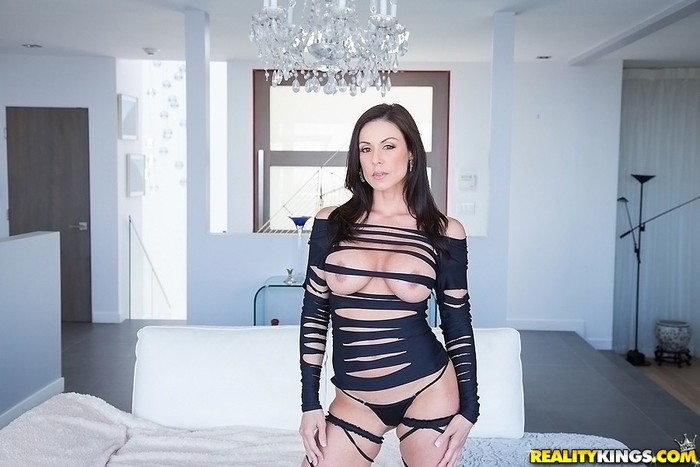 Kendra Lust - Lust At First Sight - Monster Curves