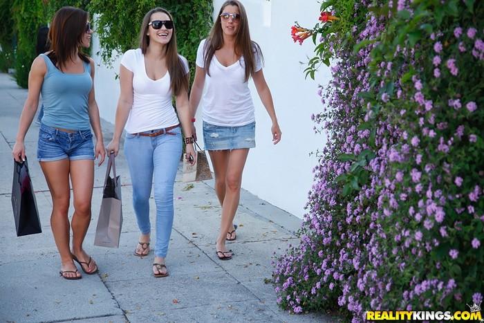 Alyssa Reece, Dani Daniels, Elisa - We Live Together