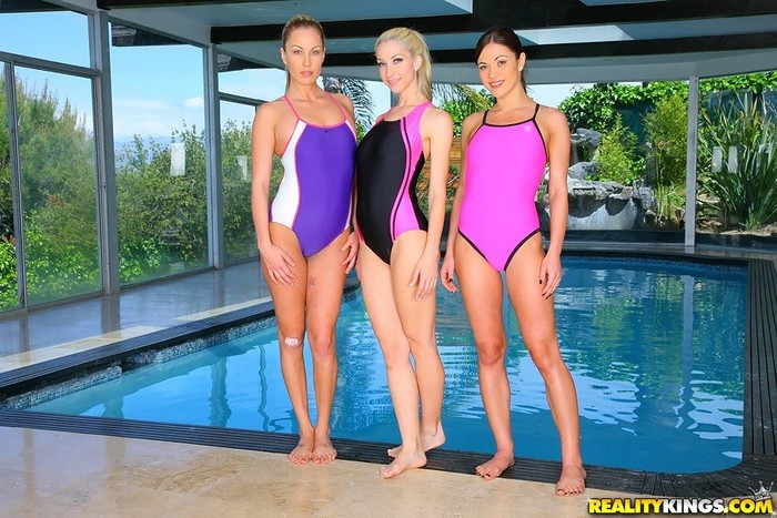Alyssa Reece, Kiara Diane, Sammie Rhodes - We Live Together