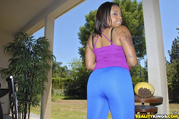 Crystal Jackson - Massive Ass - Round And Brown