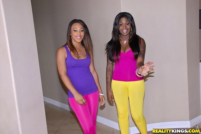 Leilani Leeane, Tatiyana Foxx - Round And Brown